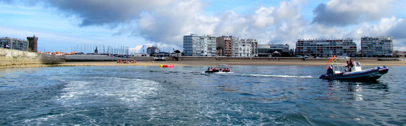 bouees-tractees-scoot-wave-les-sables-d-olonne